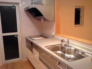 ▲オール電化でキッチンにも変化。IHクッキングヒーターは火を使わないので安心で安全です。