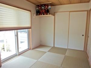 ▲明るいカラーの琉球風畳を採用することで、より一層清潔感のある爽やかな和室に