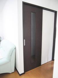 引き戸もオプションの一つ。 迷われたそうですが、部屋も廊下も広くとれて、大満足(1階LDK)