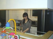 ▲対面キッチンで料理しながらお子様の様子が見られます