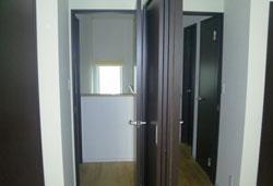▲子ども部屋は広くつなげられる可動間仕切りを採用。今は3人の共有スペースに。