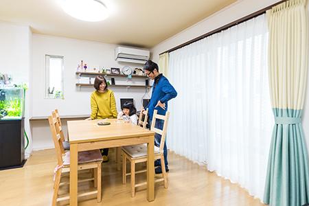 千葉県船橋市:ZEH/リビング/掃き出し窓/動線/家族の集まる場所