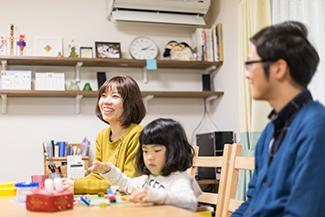千葉県船橋市:ZEH/インタビュー風景(リビング)