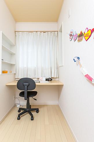 千葉県船橋市:ZEH/洋室/子供部屋/カウンターテーブル