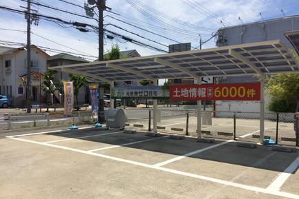 ヤマト住建 泉佐野店の駐車場