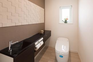 滋賀県彦根市:全館空調 ZEH/トイレ