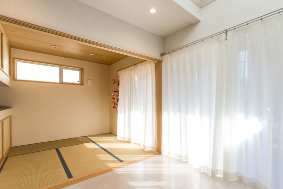 東京都八王子市:太陽光発電システム/和室