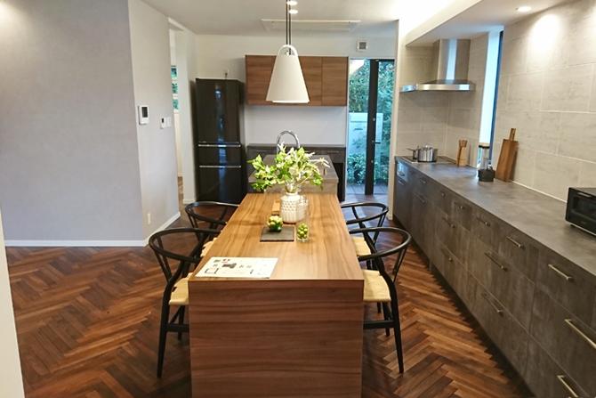 デザインと機能性を両立したキッチン