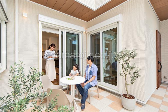 [愛知県一宮市]ダブル断熱仕様でエアコン1台で全館空調するZEH(ゼロエネルギーハウス)ヤマト住建モデルハウスのプライベートスペースの中庭