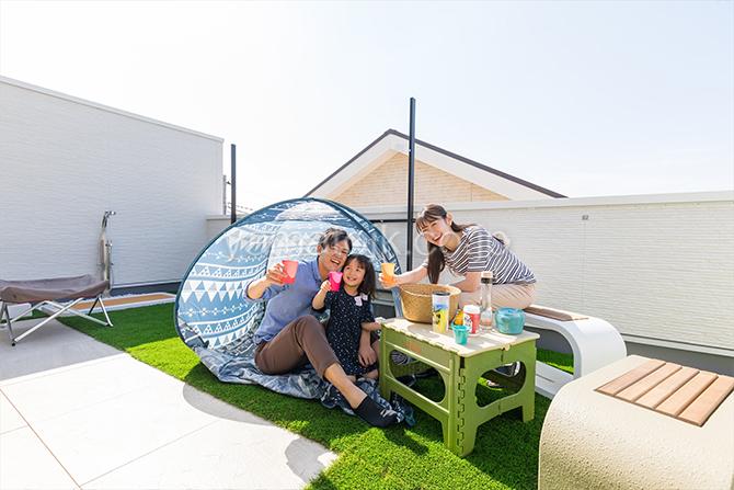 [神奈川県相模原市]ダブル断熱仕様でエアコン1台で全館空調するZEH(ゼロエネルギーハウス)ヤマト住建モデルハウスのアウトドアも楽しめる屋上庭園