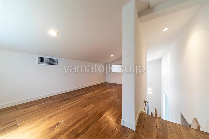 [愛知県一宮市]ダブル断熱仕様でエアコン1台で全館空調するZEH(ゼロエネルギーハウス)ヤマト住建モデルハウスの2階のロフト