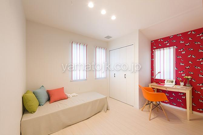 [神戸市北区]ダブル断熱仕様でエアコン1台で全館空調するZEH(ゼロエネルギーハウス)ヤマト住建モデルハウスの完全個室の2階子供部屋