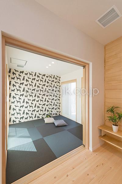 [神戸市北区]ダブル断熱仕様でエアコン1台で全館空調するZEH(ゼロエネルギーハウス)ヤマト住建モデルハウスのフラットな和室