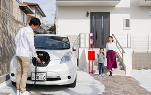 日産リーフの新CMでコラボしたヤマト住建モデルハウスは太陽光発電×電気自動車の蓄電池×高気密・高断熱の高性能住宅で電気の自給自足を実現。