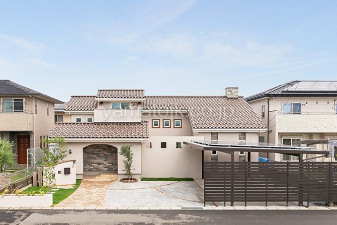 [群馬県太田市]ダブル断熱仕様でエアコン1台で全館空調するZEH(ゼロエネルギーハウス)ヤマト住建モデルハウスの南欧風の外観