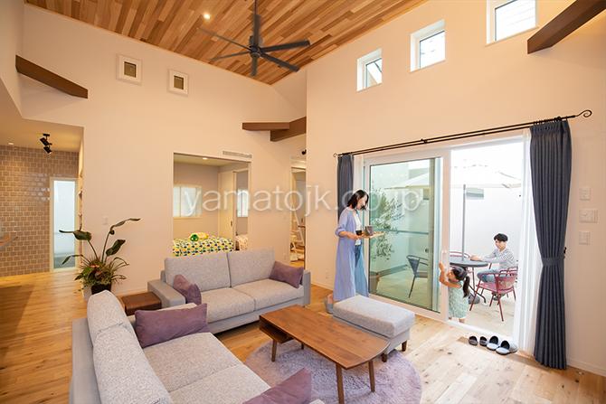[群馬県太田市]ダブル断熱仕様でエアコン1台で全館空調するZEH(ゼロエネルギーハウス)ヤマト住建モデルハウスは1階に生活空間をまとめたフラットな間取り