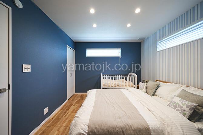 [埼玉県所沢市]ダブル断熱仕様のZEH(ゼロエネルギーハウス)ヤマト住建モデルハウスの2つのウォークインクローゼットがある主寝室