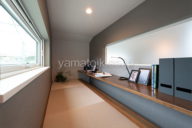[大阪府泉南郡熊取町]高気密・高断熱でダブル断熱仕様のヤマト住建モデルハウスのカウンター付きのステップインロフト